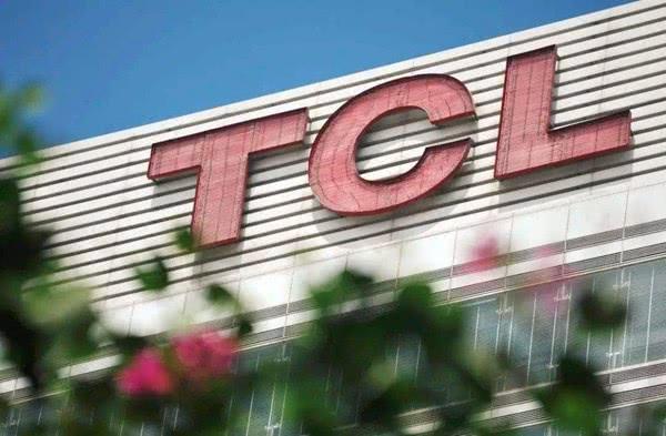 小米是中国最大的电视企业中国电视第一兄弟的销售量是它的三倍