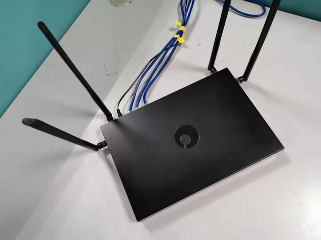 双广域网也能渗透内部网蒲公英X6评价