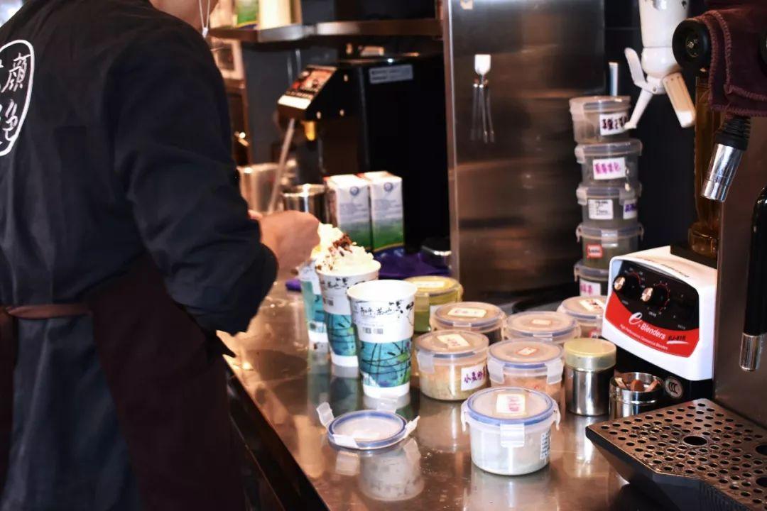 辞职后花了30万元开了一家奶茶店我发现当老板比996更糟糕