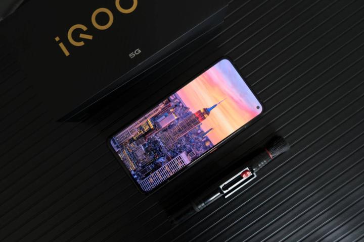 坚韧的5G性能机器诞生了vivo的新旗舰vivo iQOO 3正在深入体验