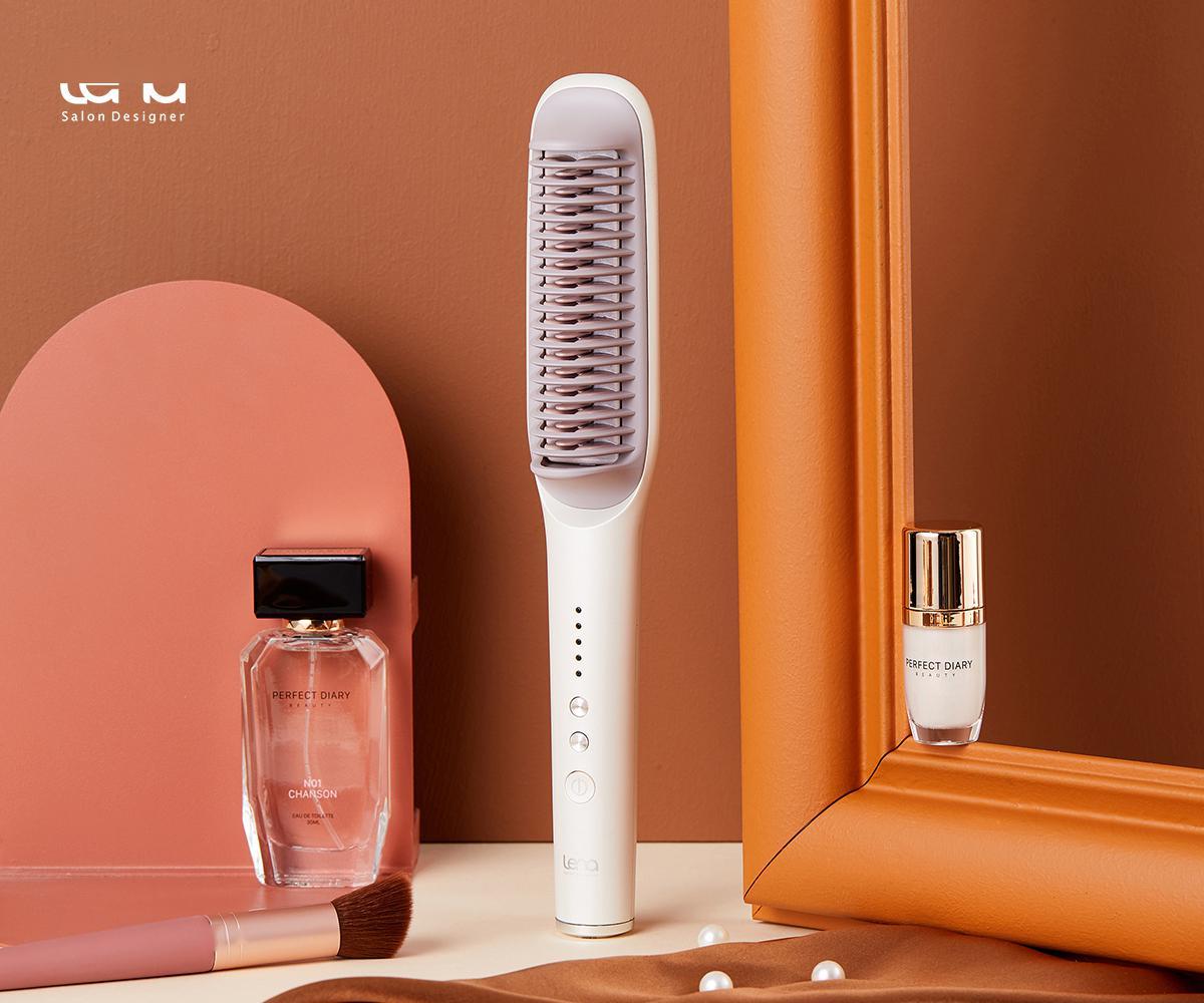 """针对小型家用电器下的美发市场""""莉娜""""希望为女性提供全面的头发解决方案"""